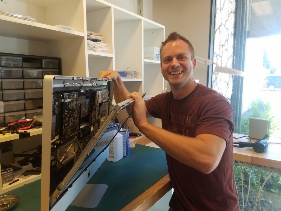 Apple certified mac technician and p.c. technician